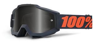 brýle Accuri SAND Gunmetal, 100% -USA (černá , šedé plexi s čepy pro slídy)